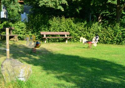 Ausruhen wenn die Kinder spielen  | Spiel und Spaß
