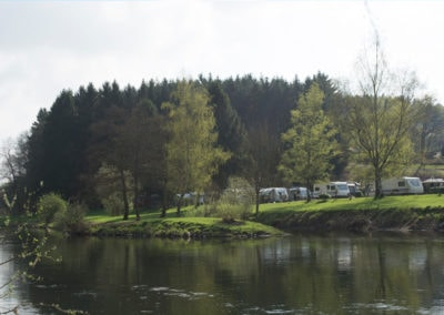Erste Camper an der Sieg | Kurzcamper